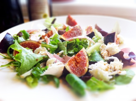 Fig, ham and mozzarella salad. Great for lunch. Great for dinner.